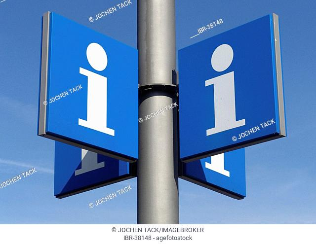 DEU, Federal Republic of Germany, Hannover: signpost, direction to north, south, eat and west to an informatin center