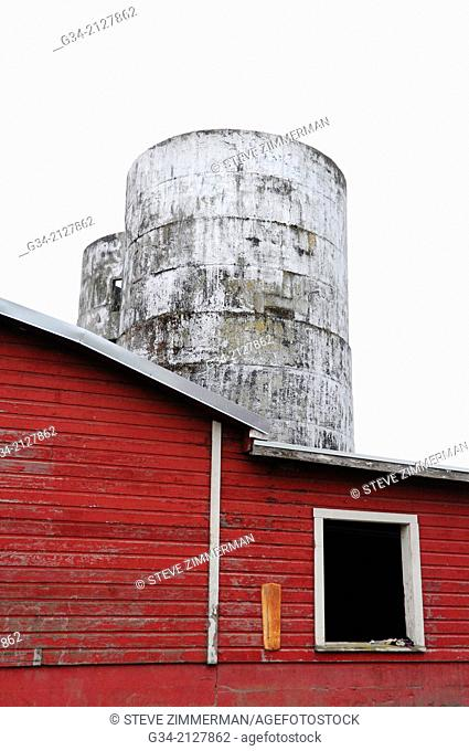 High Contrast Barn