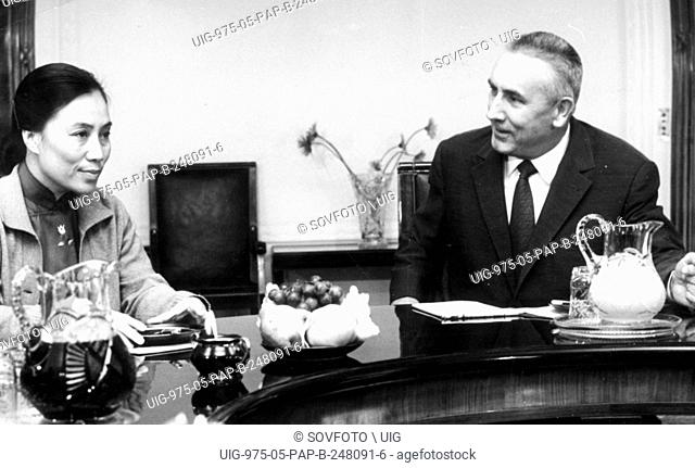 Polish premier Edward Gierek with VietCong's foreign minister Ngu Yen Thi Binh, Sep. 1971