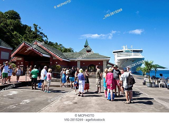 Sea Princess in Kingstown Harbour, St. Vincent & The Grenadines. - St. Vincent & The Grenadines, 18/02/2011