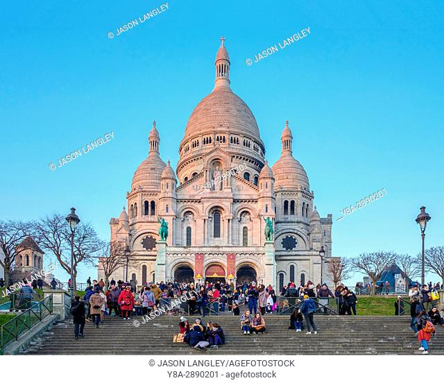 France, Île-de-France, Paris. Basilica of Sacre Coeur at sunset, Montmartre