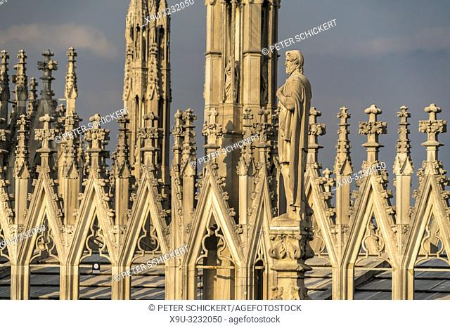 Türme des Mailänder Dom, Mailand, Lombardei, Italien | pinnacles and spires of Milan Cathedral, Milan, Lombardy, Italy