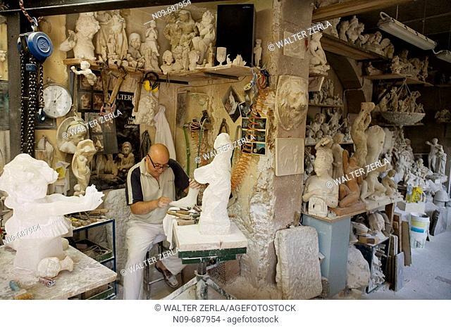 Italy, Tuscany, Volterra, alabastro