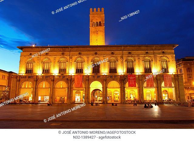 Palazzo del Podestà, Piazza Maggiore main square, Bologna, Emilia-Romagna, Italy