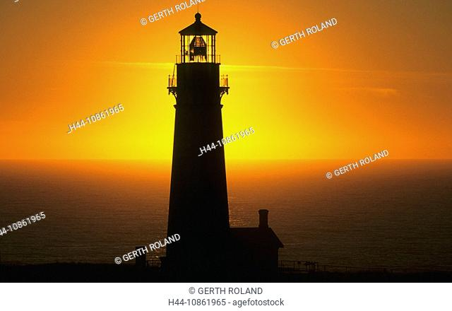 USA, Oregon, Pacific coast, ocean, sea, lighthouse