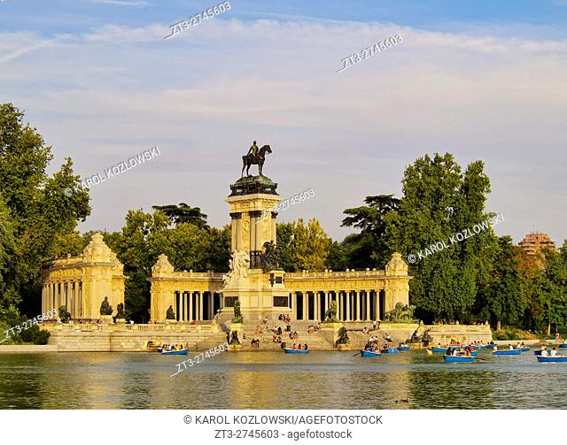 Spain, Madrid, View of the Alfonso XII Monument and Lake in Parque del Retiro