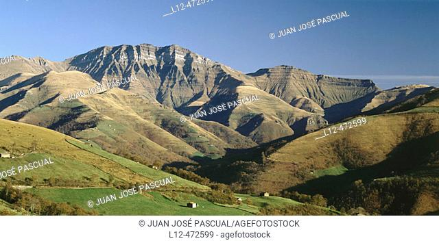 Vega de Pas and Castro Valnera peak, Cantabria, Spain