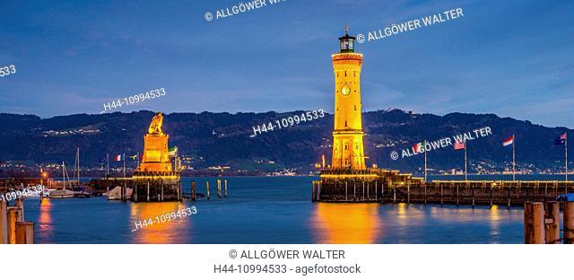 Harbour, Port, lighthouse and Bavarian lion, Lindau, Bavarian, Germany, Europe
