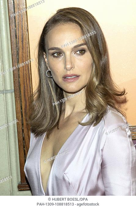 Natalie Portman attends the premiere of 'Vox Lux' during the 43rd Toronto International Film Festival, tiff, at Elgin Theatre in Toronto, Canada