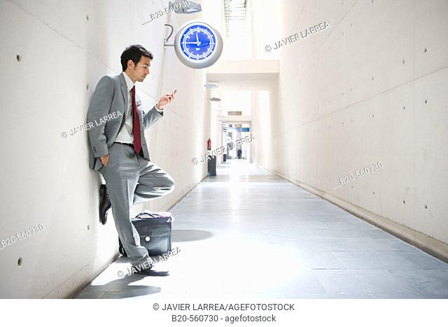 Businessman. Delicias station, Zaragoza, Aragón. Spain