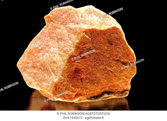 Sunstone (oligoclase feldspar with hematite inclusions) from India