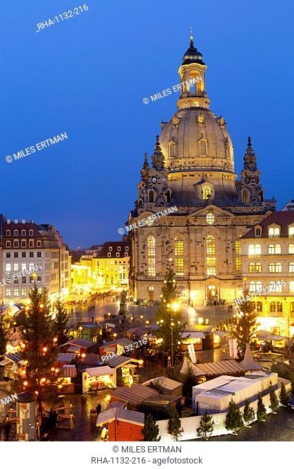 Overview of the New Market Christmas Market beneath the Frauenkirche, Dresden, Saxony, Germany, Europe