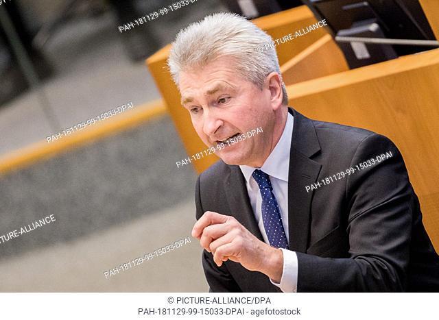 29 November 2018, North Rhine-Westphalia, Düsseldorf: Andreas Pinkwart (FDP), Minister of Economic Affairs of North Rhine-Westphalia