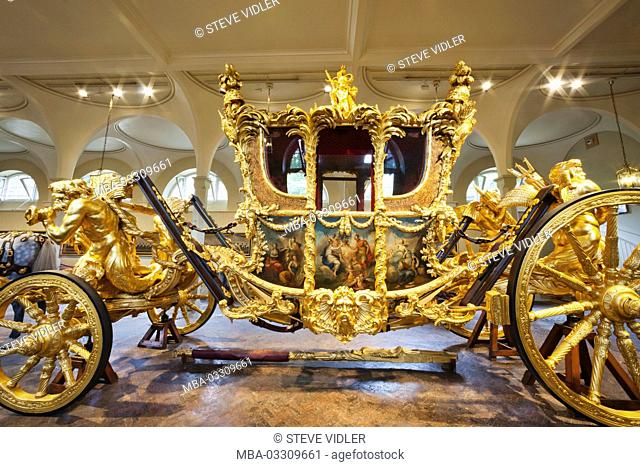 England, Surrey, London, Buckingham palace, The royal Mews, golden state carriage