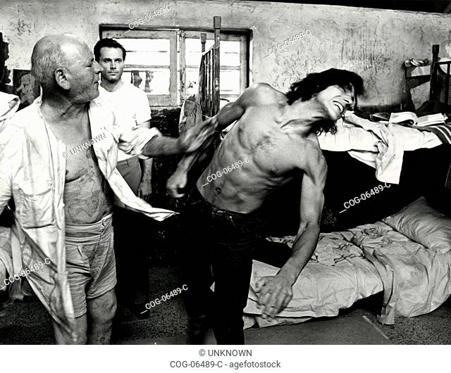 Scene from the movie L'istruttoria è chiusa: dimentichi (tante sbarre), 1971
