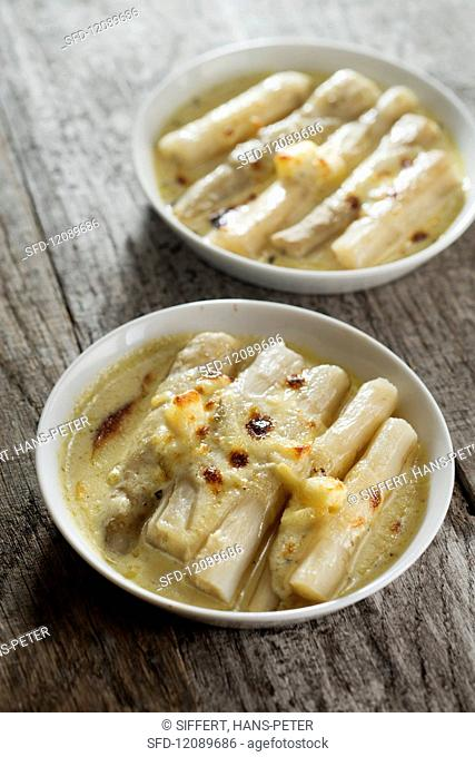 Radice di concino (leaf chicory) gratinated with Fontina and Alpine cheese
