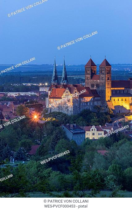Germany, Quedlinburg, view to castle and St. Servatius church at blue hour