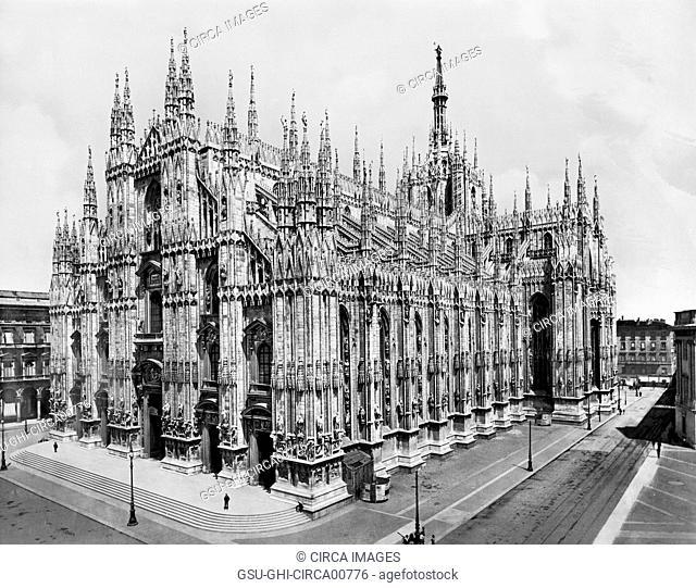 Cathedral, Milan, Italy, circa 1910