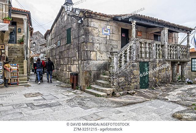 Arquitectura popular en piedra en Combarro. Pontevedra. Galicia. España