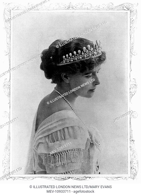 Queen Marie of Romania (1875 - 1938), the consort of King Ferdinand I of Romania, newly crowned in 1914