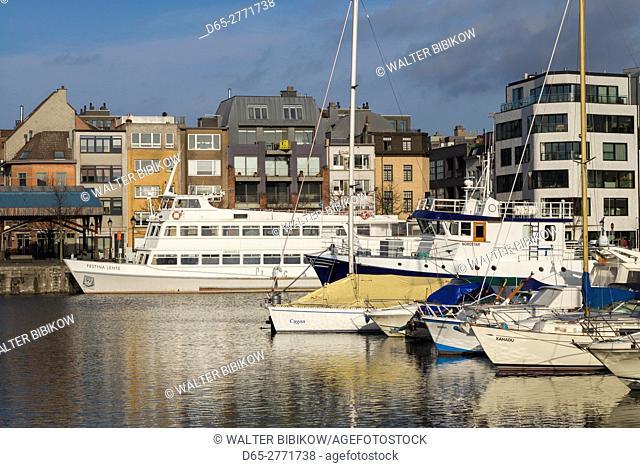Belgium, Antwerp, newly renovated 't Eilandje docklands
