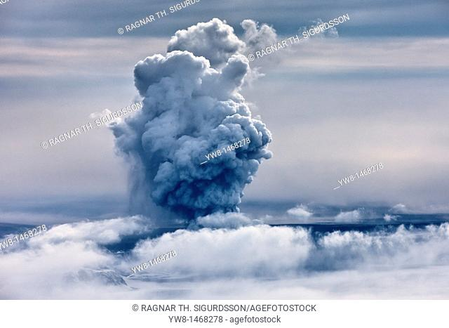 Grimsvotn Volcanic Eruption in the Vatnajokull Glacier, Iceland The eruption began on May 21, 2011 spewing tons of ash, initially the plume was over 20...