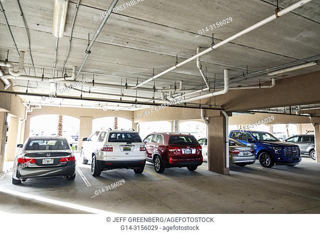 Florida, St. Saint Petersburg, Madiera Beach, Courtyard Marriott, hotel, cover car park parking lot garage