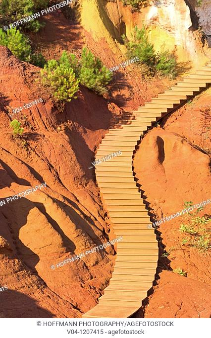 Pathway in the ochre canyon in Roussillon, France, Europe