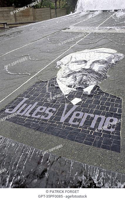 PLACE JULES VERNE, DINARD, ILLE-ET-VILAINE 35, FRANCE