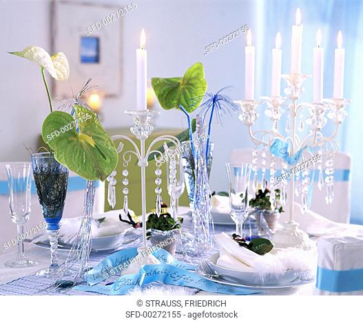 New Year's Eve table: painter's palette, 4-leaf clover, candlesticks