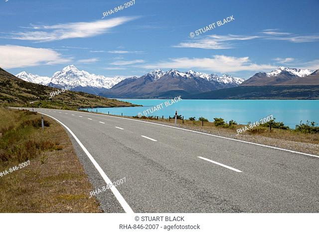 Mount Cook and Lake Pukaki with empty Mount Cook Road, Mount Cook National Park, UNESCO World Heritage Site, Canterbury region, South Island, New Zealand