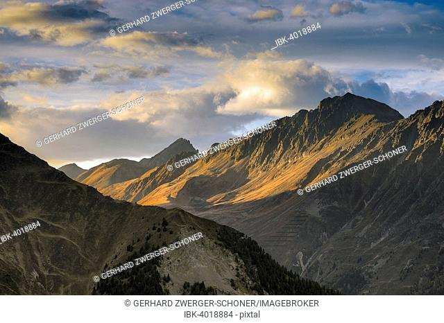 Mountain chain of the Sellrainer Alps in the evening light, Sellraintal, North Tyrol, Austria