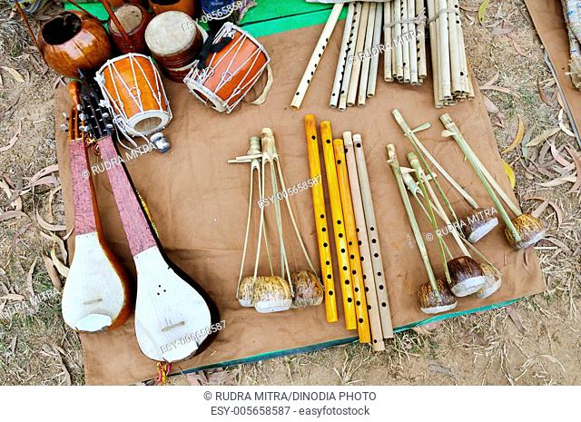 Musical instrument and handicrafts kept for sale at ; Shantiniketan ; West Bengal ; India