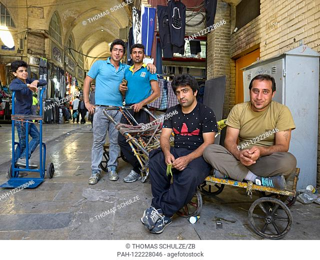 17.04.2017, Iran, Tehran: The Grand Bazaar in the center of the Iranian capital Tehran, recorded on 17.04.2017. Photo: Thomas Schulze / dpa-Zentralbild / ZB |...