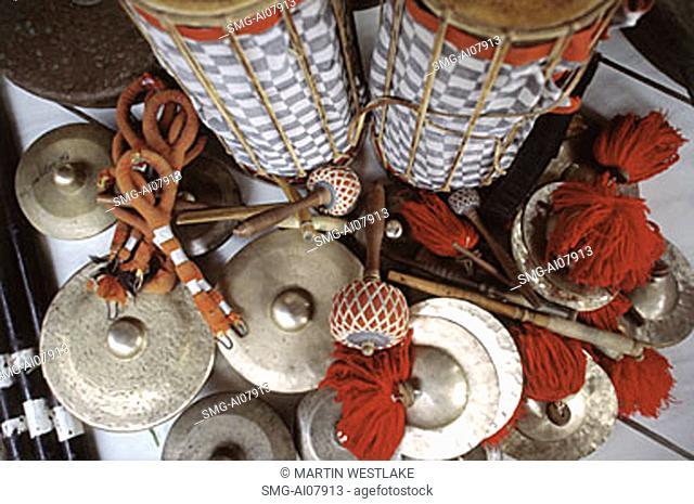 Indonesia, Bali, Gianyar, Cremation ceremony, gamelan instruments. (grainy)