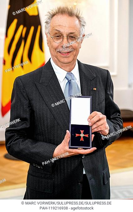10.04.2019, Dieter Kosslick, long-time director of the International Fim Festival, the Berlinale, receives the Federal Cross of Merit 1st Class awarded by the...