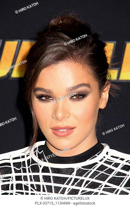 """Hailee Steinfeld 12/09/2018 The Global Premiere of """"""""Bumblebee"""""""" held at TCL Chinese Theater in Los Angeles, CA Photo by Hiro Katoh / HNW / PictureLux"""