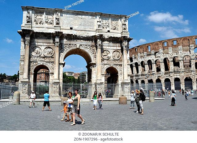 Arch in front of the Colloseum