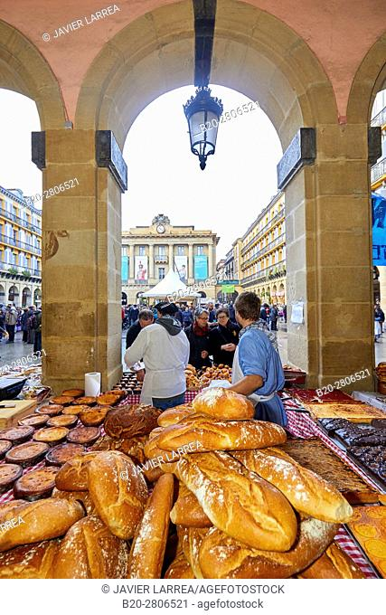 Homemade bread, Feria de Santo Tomás, The feast of St. Thomas takes place on December 21. During this day San Sebastián is transformed into a rural market