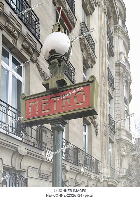 Metro entrance sign