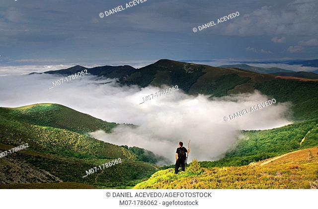 Demanda mountain range, San Lorenzo mountains, Rioja wine region, La Rioja, Spain, Europe