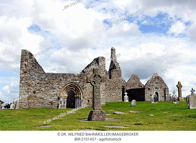 Former monastery, Clonmacnoise, County Offaly, Ireland, Europe
