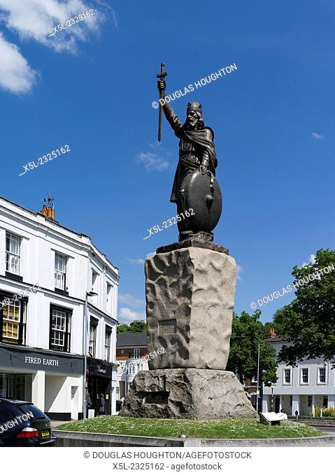 King Alfreds statue WINCHESTER HAMPSHIRE King Alfred the Greats