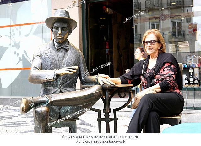 Portugal, Lisbon, Chiado quarter, Cafe A Brasileira where a statue of writer Fernando Pessoa has been put in 1988 on the terrace