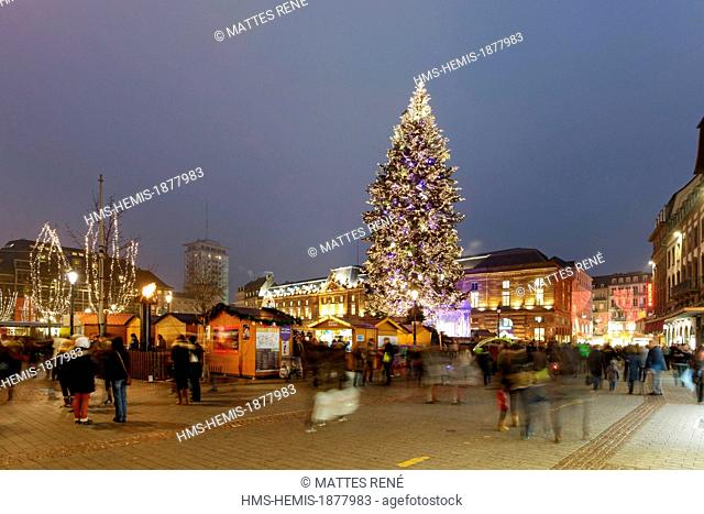 France, Bas Rhin, Strasbourg, old town listed as World Heritage by UNESCO, the big christmas tree on Place Kleber
