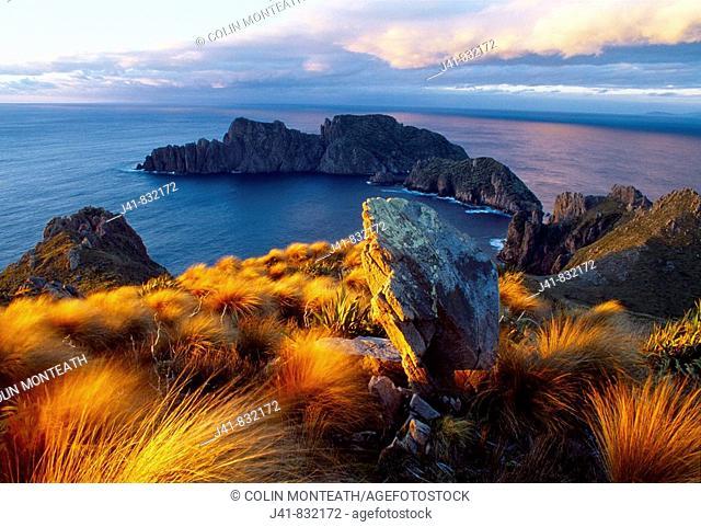 Sunset Ruggedy Point Rakiura National Park Stewart Island New Zealand