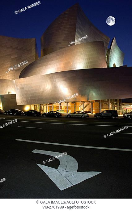 WALT DISNEY CONCERT HALL DOWNTOWN LOS ANGELES CALIFORNIA USA