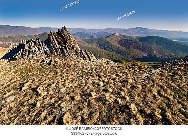 San Cristobal hill from the Tornera  Sierra Norte  Guadalajara  Castilla la Mancha  Spain