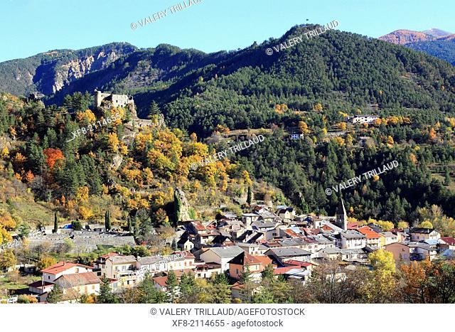 The village of Guillaumes, Haute Vallée du Var, Parc National du Mercantour, Alpes-Maritimes, Provence-Alpes-Côte d'Azur, France