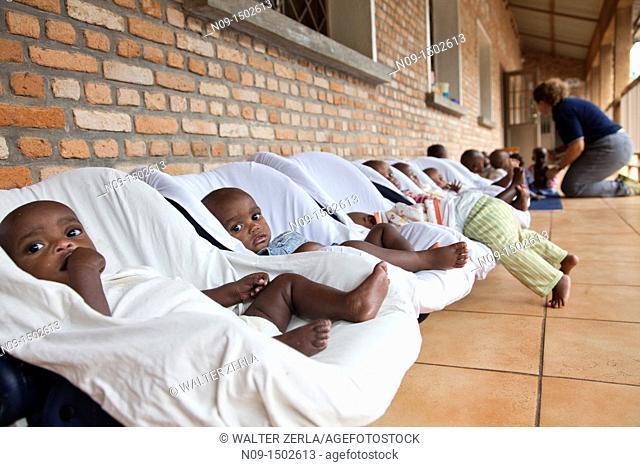 Burundi, Doctor who takes care of orphaned children